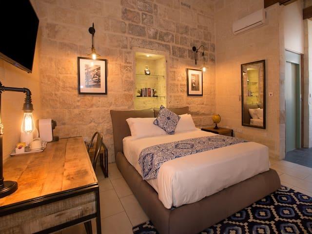 Lascaris Suite