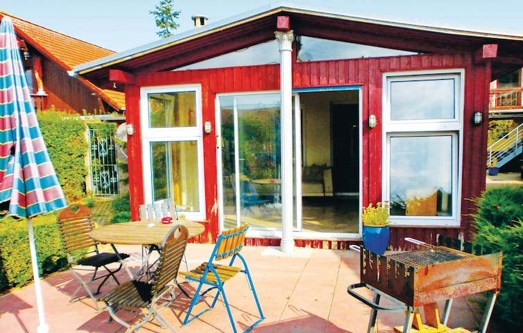 Holiday apartment with 1 bedroom on 65 m² in Klein Schwaß