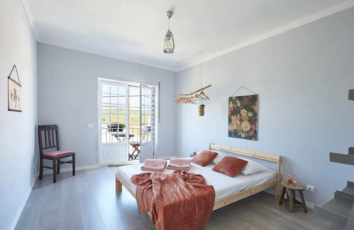 Beach/Rustic House Ericeira - double bedroom