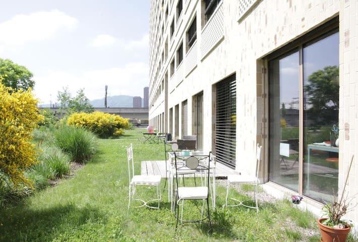 Urban coziness in the heart of Zurich's nightlife - Zürich - Lägenhet