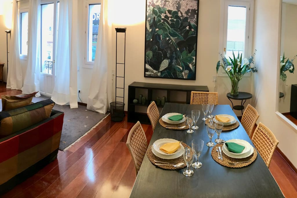 for those who prefer home-cooked meals: fully equipped kitchen and china