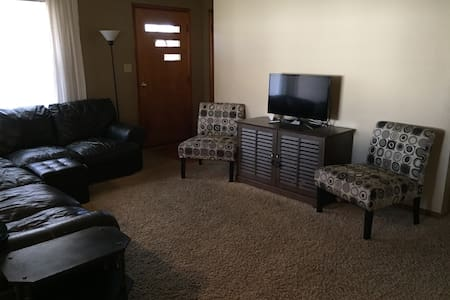 Great Derby Rental! - New Albany - Hus