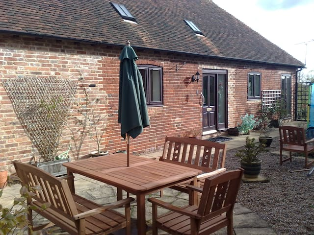 3 Bedroomed Country Barn Conversion, sleeps 6+