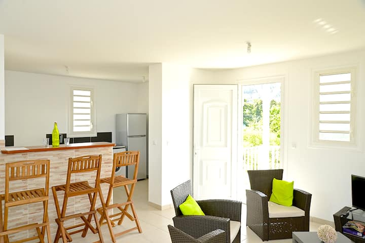 Apartment with 2 bedrooms in Les Trois-Îlets, with wonderful mountain view, enclosed garden and WiFi - 200 m from the beach