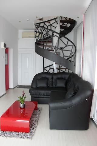 Harmony Apartman - Târgu Mureș - Appartement