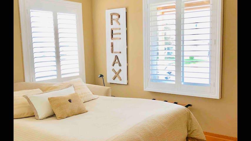 Beautiful Bedroom w/private Bath near LAX!