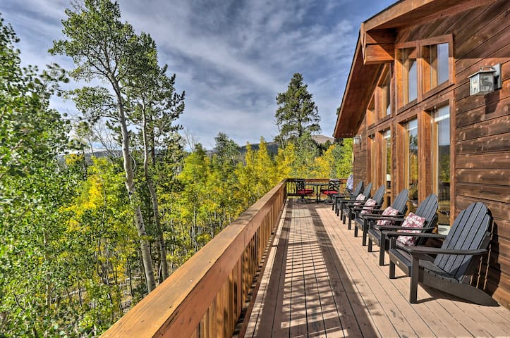 Luxury Fairplay Home w/ Deck, Grill & Mtn Views!