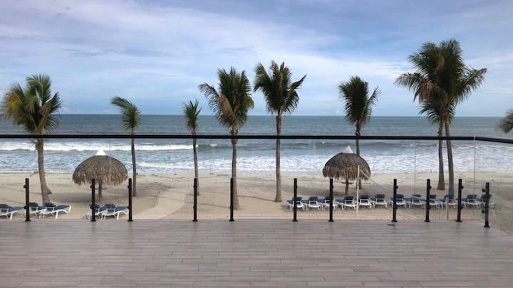 Playa Caracol Residences 1& Beach Club Chame Banks