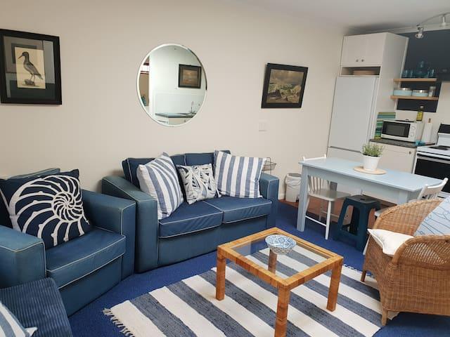 Kirstenbosch Bishopscourt 2 bed ground floor flat
