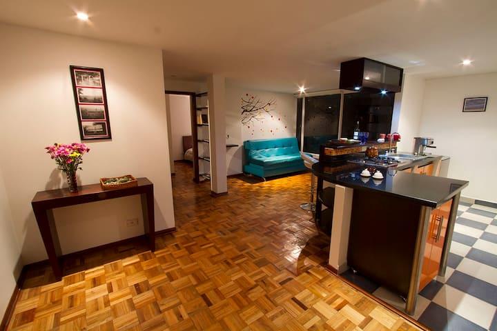 Cozy flat in Rosales, walking distance from Zona T