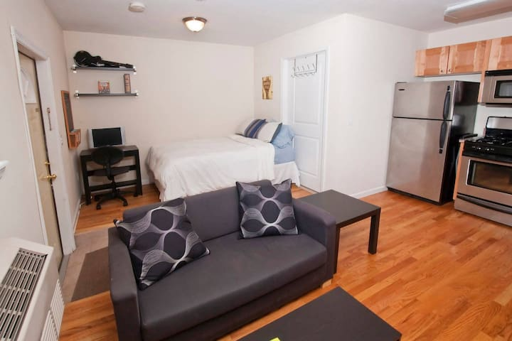 Private Studio Minutes to Times Square - Weehawken - Appartement