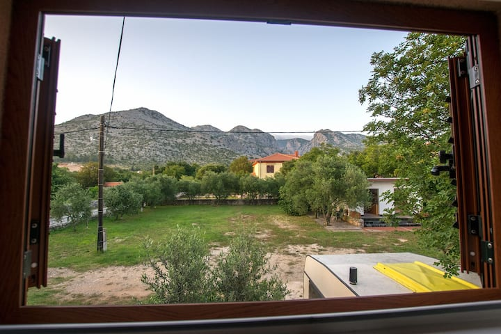 Adriana 2-cosy place with mountain & garden view