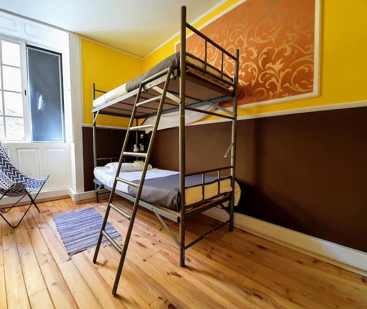 Cama em Dormitório partilhado