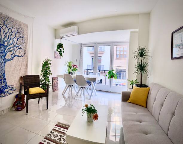 Bright & spacious apartment, center of Castellon