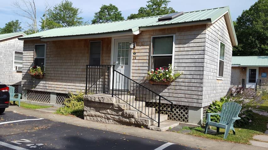 Kennebunk Maine Cottage at Shorelands