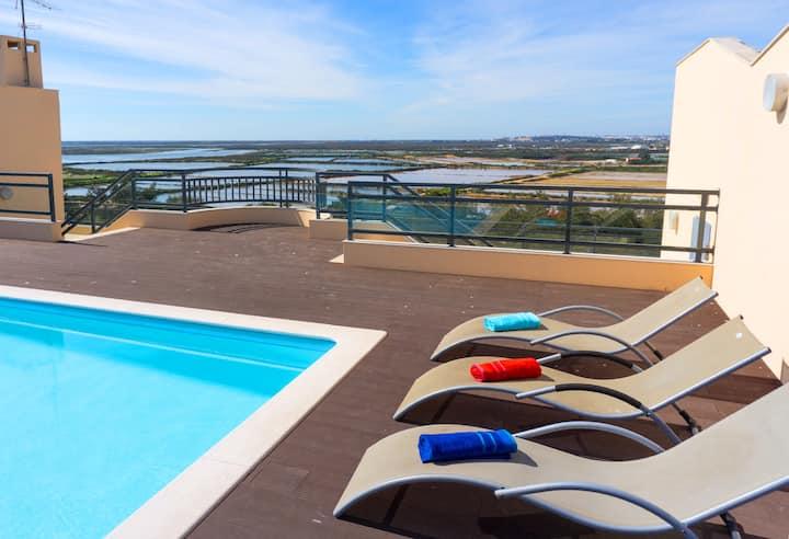 Sunset Apartment, pool, sleeps 5