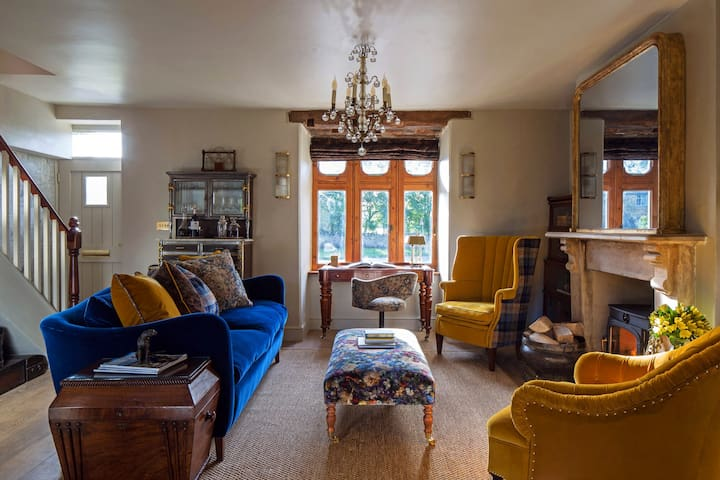 Highly pleasing, very stylish and cosy getaway