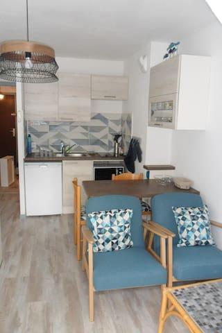 Agréable studio 25m2 rénové proche plage Tréboul