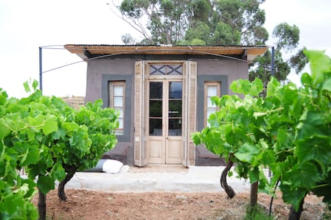 STROOI KOOI_Stylish Strawbale Eco Cottage 1