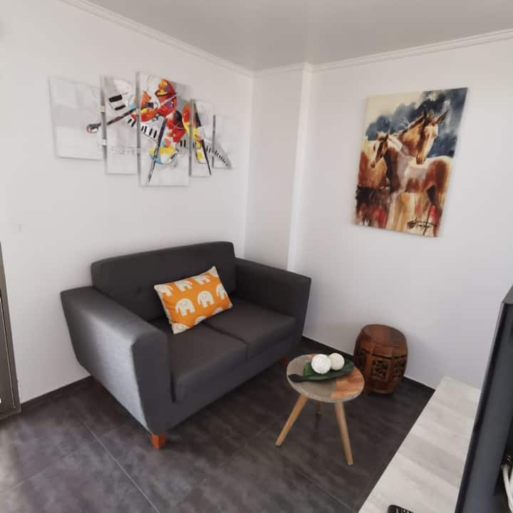 4: Alwa Apartments - Departamento Alto.