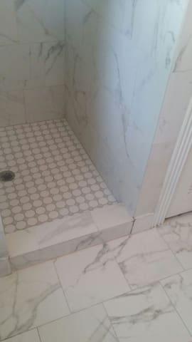 New shower floor!