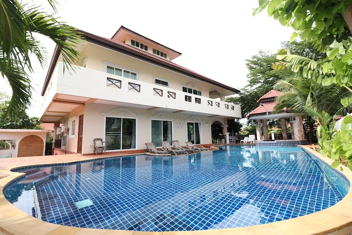 Hua Hin Holiday  House