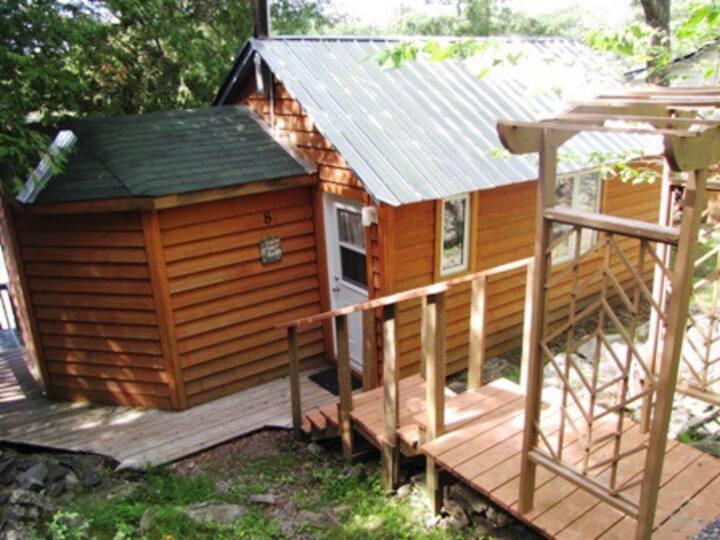 Cottage #8 - Waterfront - Springwood Cottages