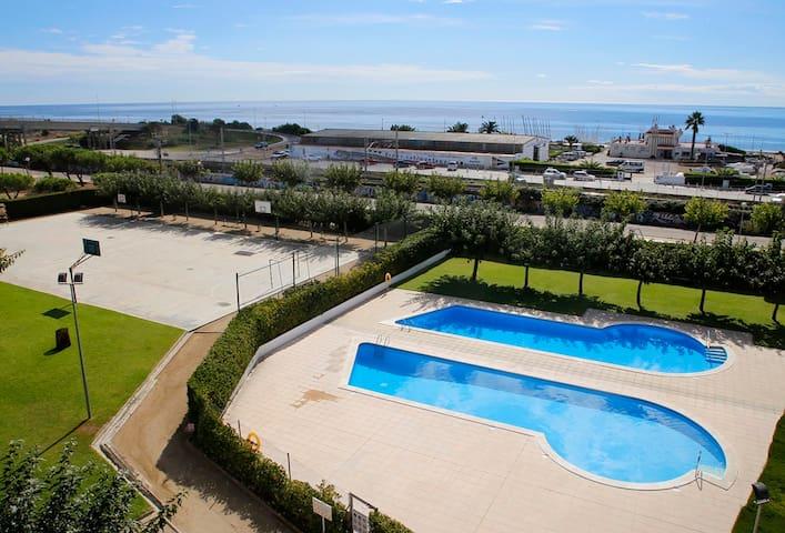 Apartamento con A/A y 2 piscinas, playa a 250m - Torredembarra - Condominium