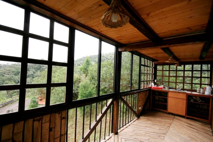 Hill Cottage, Birding Home in Tandayapa, Mindo - Quito - Nature lodge