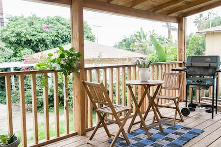 Quiet room with deck by mountains - Altadena - บ้าน