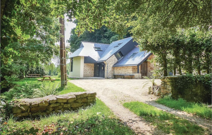 Nice home in Bannalec with WiFi and 3 Bedrooms