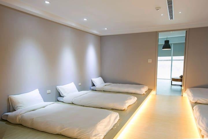 適合團體、家族旅遊,超大客廳臥室,家庭6人房