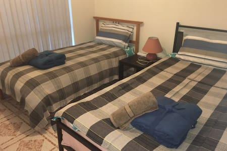 102两张单人床房 - Hurstville - 別荘