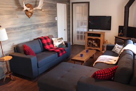 720 - Cozy Chalet by the Lake - Mandeville - Bungalo