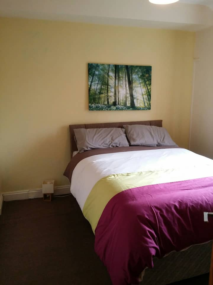 Double room, shared apartment Monton, Eccle, long