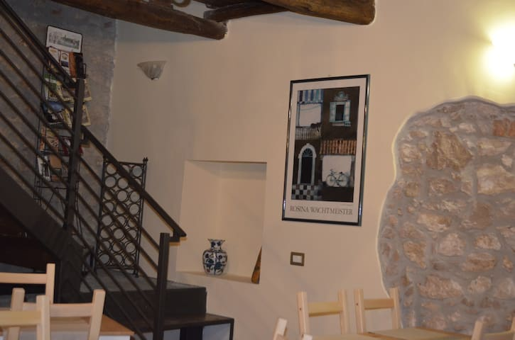 LE FATE DEL LAGO - Calipso - doppia - Norma - Bed & Breakfast