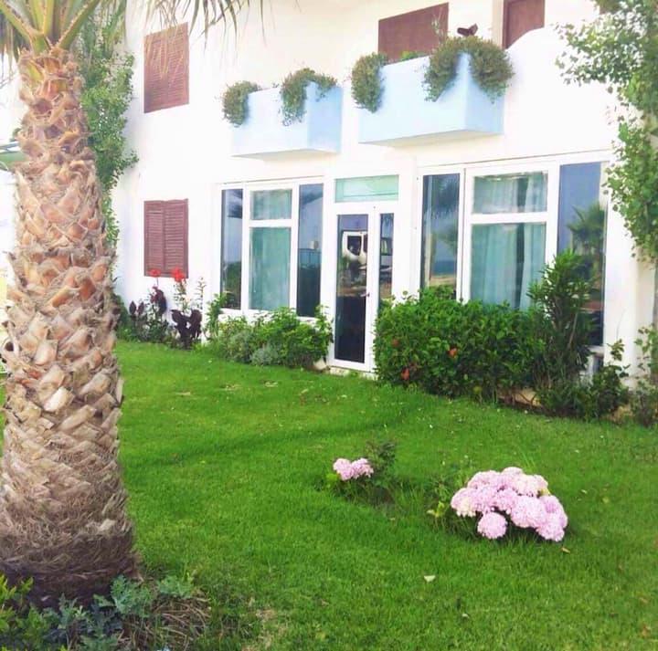 Appartamento con 2 stanze a Fnideq, con giardino attrezzato e WiFi - 10 m dalla spiaggia