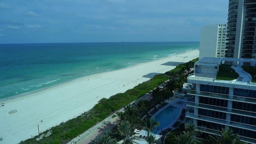 Ocean view 1 bd apartment South Beach