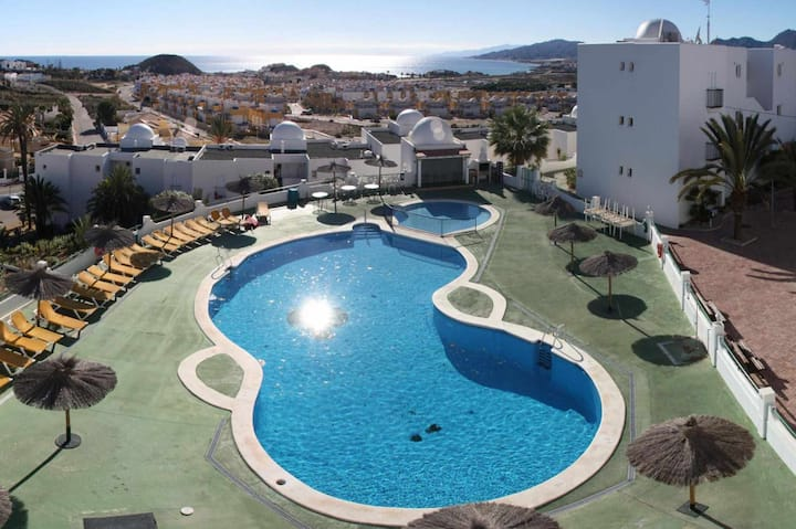 Estrelitzia, apartment with panoramic sea view and shared swimming pool