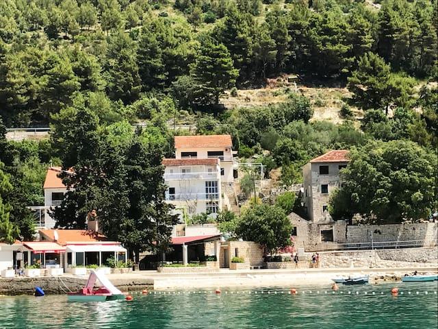 Summer house in a Dalmatian fishermen village