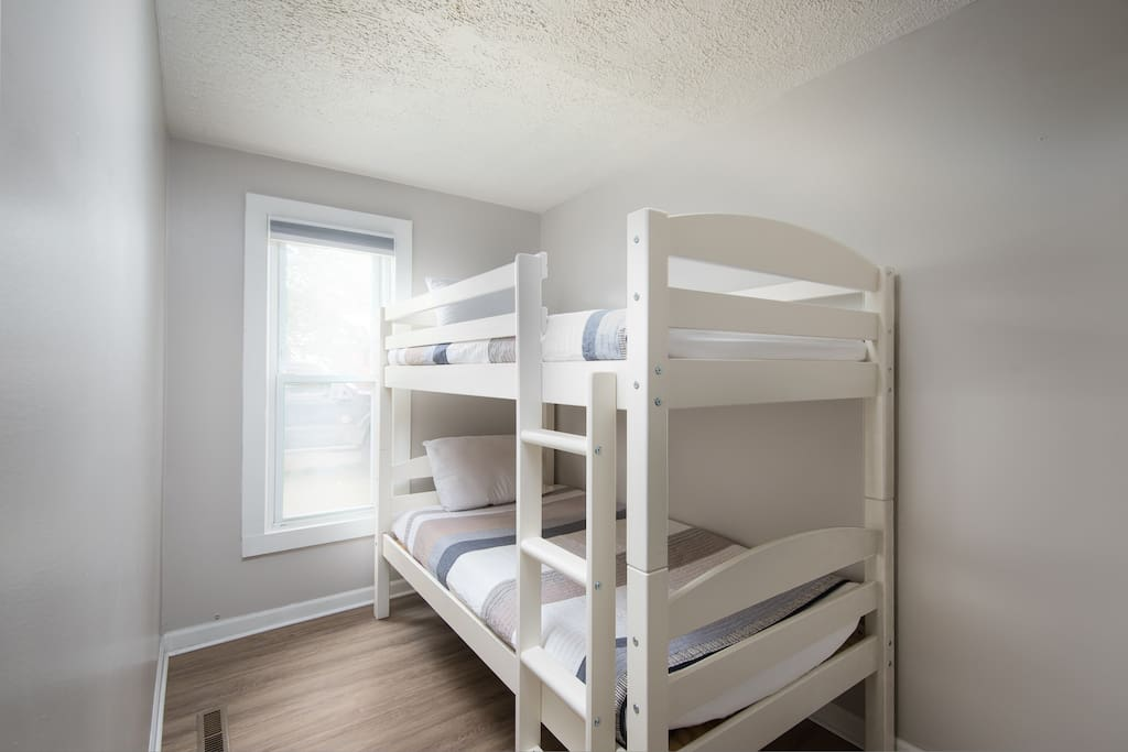 Twin Bunk Beds in 2nd Bedroom