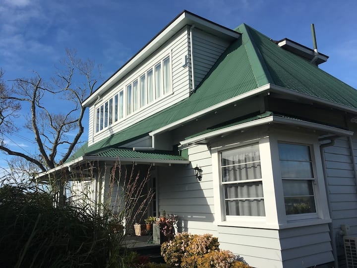 Guest Suite B in Century-old Homestead (Glendowie)