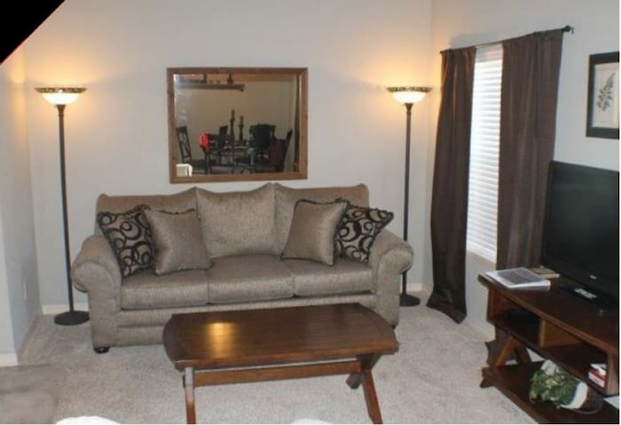 Branson~~Beautiful 2 Bed, 2 Bath Condo! - Branson - Lakás