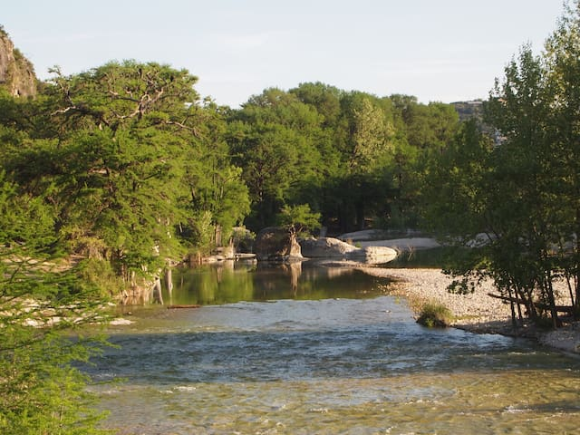 Buchanan Cabin 62A Frio River 150 Yards