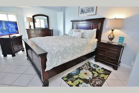 WV304 - Affordable Vacation Gem Overlooking Waterway in Charming Indian Shores - Indian Shores - Condominium