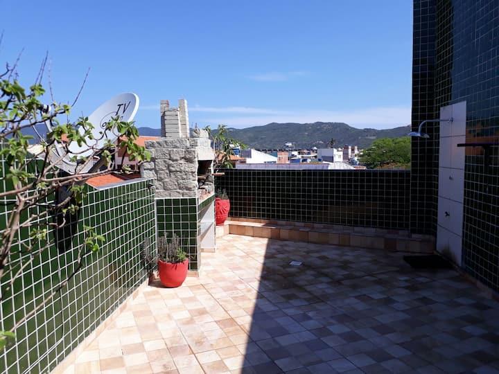 APT  110, varandao, Churrasqueira,02 Quartos/suite