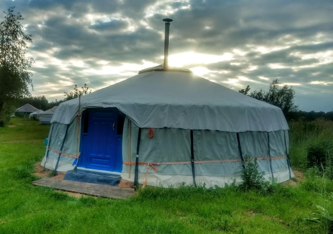 Yurt 'De Buizerd'