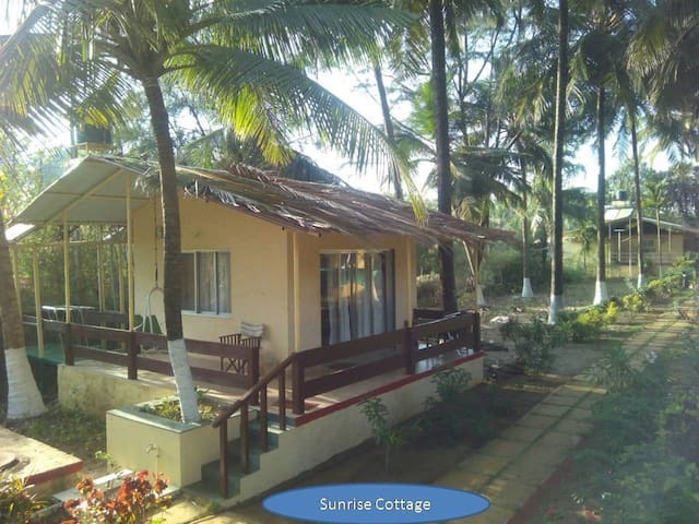Sunrise Cottage - EE - Alibag - Stuga