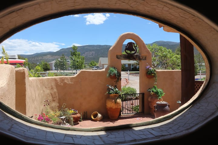 Tranquil 2 bdrm private suite - Cedar City - House