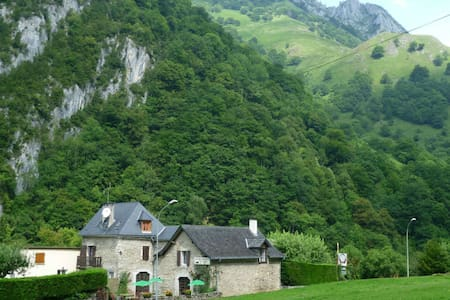 Maison d'hôte Pyrénées Atlantiques - Bedous - Pension